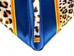Платок шейный синего цвета с леопардовым и золотым рисунком